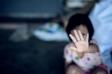 Fată de 12 ani, violată de asistentul maternal. Soția acestuia a încercat să se sinucidă