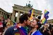 Futu-vă-n gură de oligofreni! Dan Barna este de acord cu căsătoria persoanelor de același sex