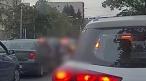 Un șofer a fost înjunghiat pentru că nu i-a făcut loc un altuia