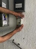 Primarul sectoruui l 1,Dan Tudorache  a început montarea dispozitivelor cu dezinfectant