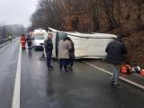 Accident grav pe Valea Oltului. Microbuz răsturnat, 19 victime. PLAN ROȘU