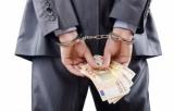 Doi tineri au fost reținuți pentru înșelăciune prin metoda COVID