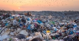 Groapă de gunoi ilegală  în Parcul Natural Bucegi cu acordul primăriei