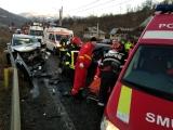 www.ziarulatak.ro Accident pe DN1 - Mașină ruptă în două