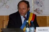 www.ziarulatak.ro  Traian Basescu ravneste la fotoliul lui Firea.  Candideza pentru Primaria Capitalei