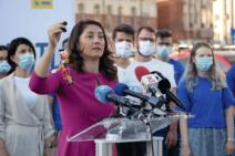 Interlopii infiltraţi  în politică!  Un membru al clanului Duduianu îi face campanie candidatei PNL Simona Spătaru  la Primăria Sectorului 4