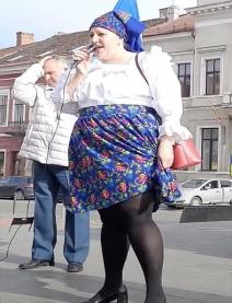 Madam Şoşoacă se înarmează: Cine o mai calcă pe bombeu, a rupt-o-n fericire