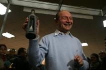 Traian Băsescu poate  pierde toate drepturile de fost președinte