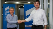 "www.ziarulatak.ro ""Tantalaul si Gogomanul, ""Barna si Ciolos. Dan Barna și-a chemat 'oastea'(200 persoane), în București, la miting"