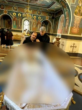 cristian-pomohaci-ocheaza-din-nou-gestul-facut-la-inmormantarea-sotiei-maestrului-nicolae-botgros-48922-1.jpg