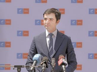 ministrul-economiei-elibereaza-din-functie-administratorii-speciali-cu-salarii-uria-e-48899-1.jpg