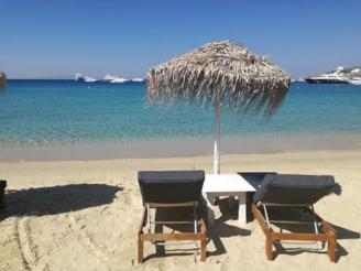 plajele-s-au-deschis-iar-sezlongurile-sunt-cu-5-lei-mai-scumpe-1.jpg