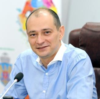 primarul-sectorului-4-daniel-baluta-proiectul-bugetului-pentru-anul-2021-este-deja-gata-afi-at-pe-site-ul-primariei-i-intrat-in-procedura-de-consultare-publica-48534-1.jpg