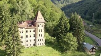 vindem-tot-din-tara-pe-sume-de-c-castelul-abandonat-din-apuseni-unde-s-a-filmat-noi-cei-din-linia-intai-a-fost-cumparat-de-hilton-48559-1.jpg
