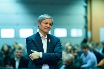 Foști miniștrii USR propuși azi în Parlament de către Dacian Cioloș pentru cabinetul său