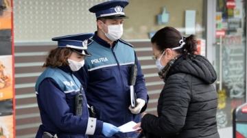 Polițiștii bucureșteni fac verificări pentru a vedea dacă sunt respectate regulile de prevenire a COVID-19