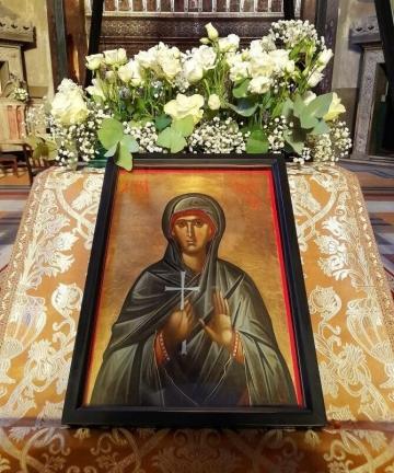 Sărbătoare cu cruce roșie în calendarul ortodox. Mii de credincioși sărbătoresc azi  Sfânta Parascheva, ocrotitoarea Moldovei