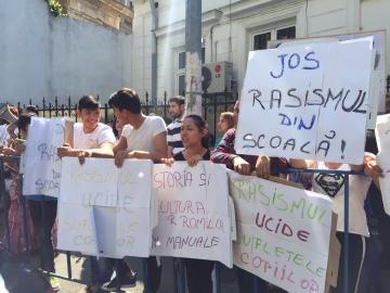 www.ziarulatak.ro Partida Romilor Pro- Europa ia atitudine. Discriminarea Romilor continua. Elevii romi de la o școală din Iași sunt  izolați