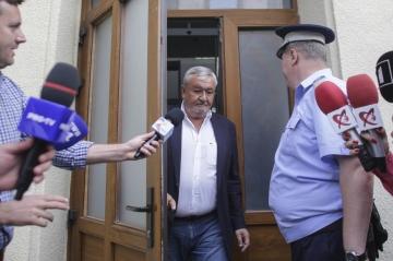 Naşul Vlădescu și Boureanu, trimiși în JUDECATĂ de DNA pentru luare de mită și trafic de influență