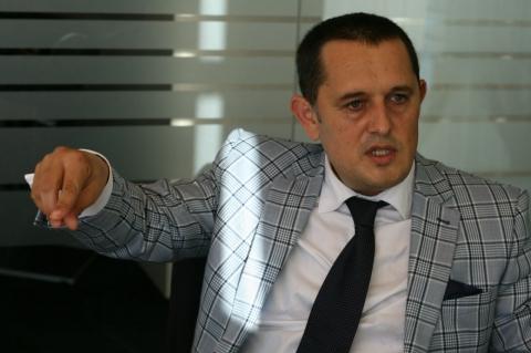 Avocatul, Gheorghe Piperea solicită demisia lui Klaus I ...