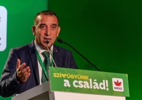 Deputatul Partidei Romilor, Cătălin Manea, trage un sem ...
