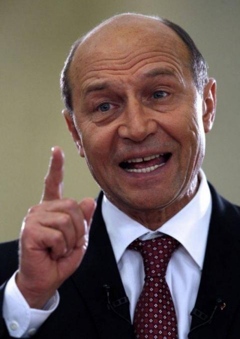 www.ziarulatak.ro Incepe distractia. Traian Băsescu a a ...